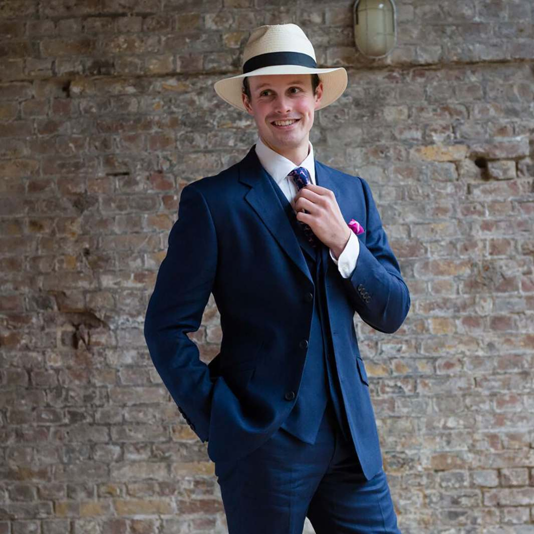NAVY LINEN 3 PIECE SUIT