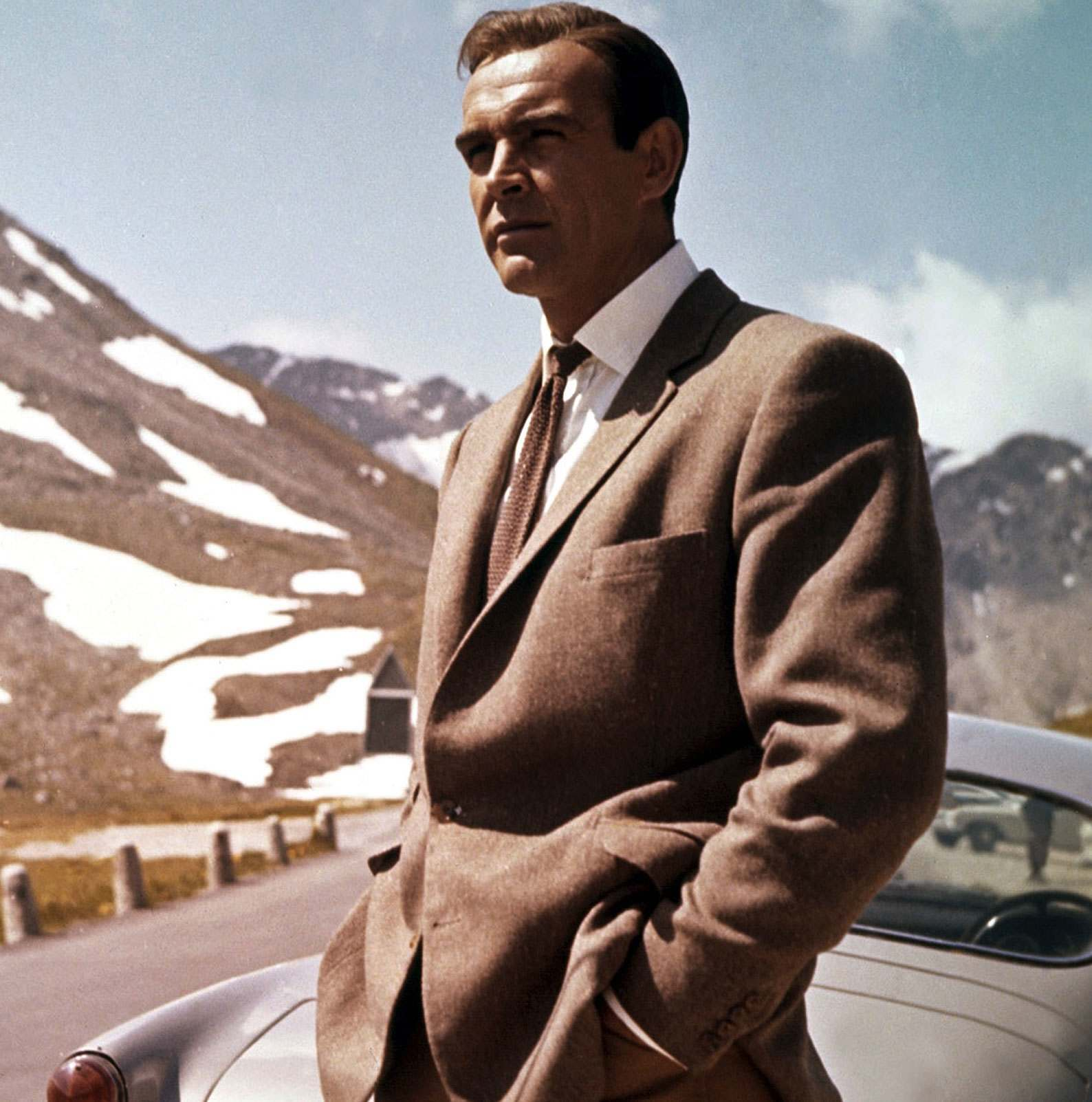 HOW TO DRESS LIKE BOND, JAMES BOND